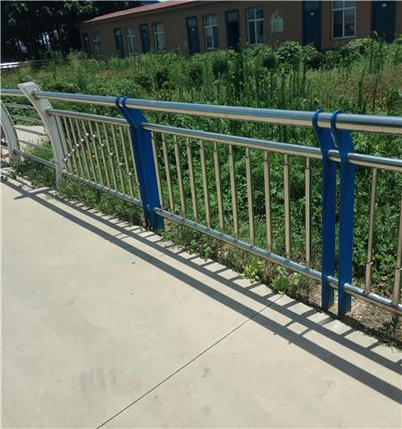 池州不锈钢复合管市政护栏价格