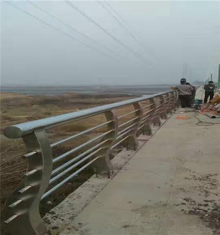 南京不锈钢碳素钢复合管防撞护栏生产厂家