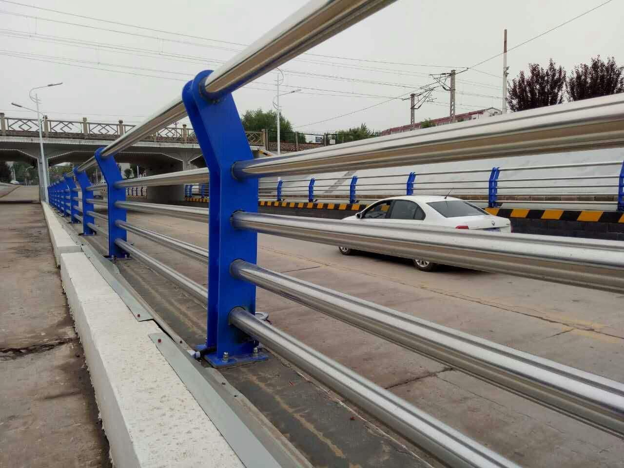 漳州复合管桥梁护栏生产
