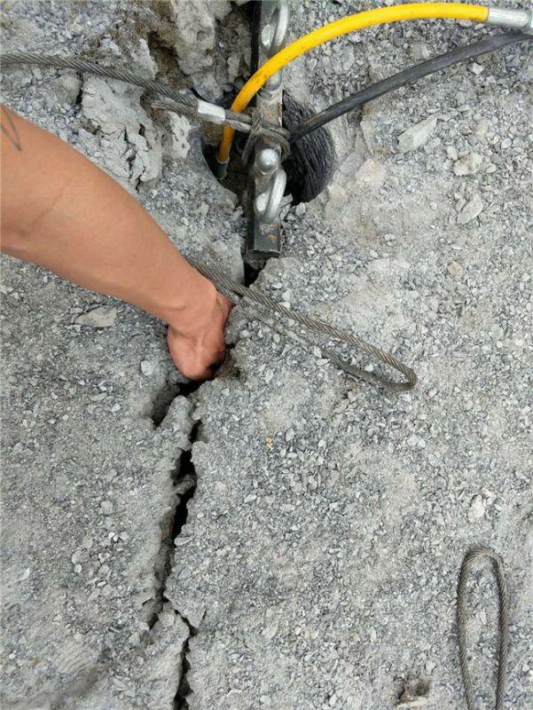 东辽土石方开挖免爆破河道扩建静态矿石开采设备原理和结构