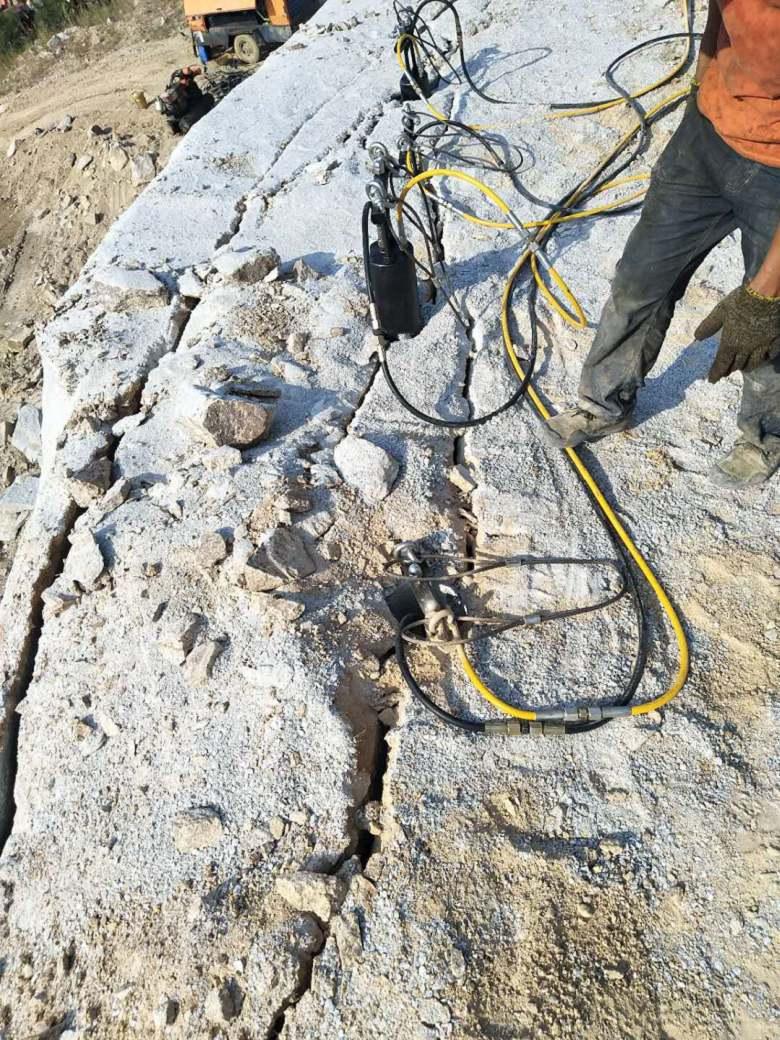 四平矿山开采比钩机效率高的机器如何使用