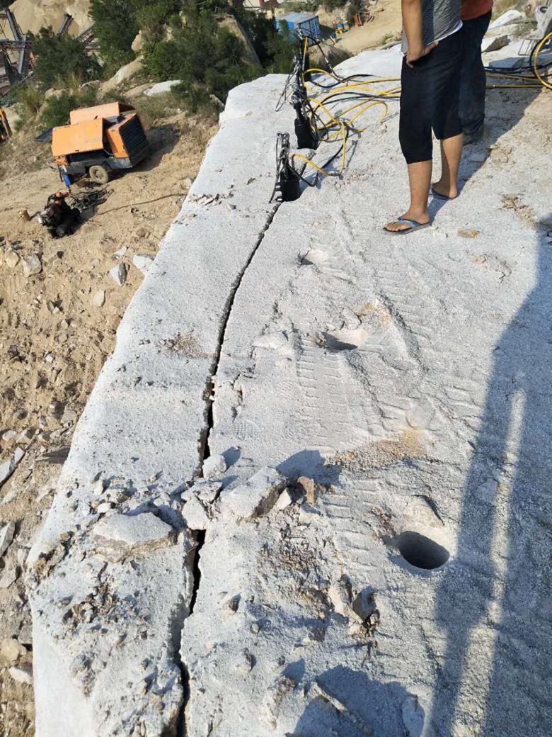 辽源石灰石有很硬的石层怎么开采拿货货源