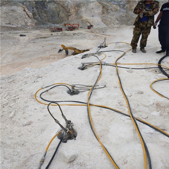 丹凤石方开挖破大石头机器哪里有生产厂家客户使用多