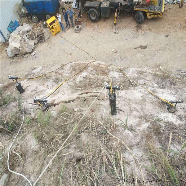 宁夏露天大坝开挖静态开采岩石劈裂机