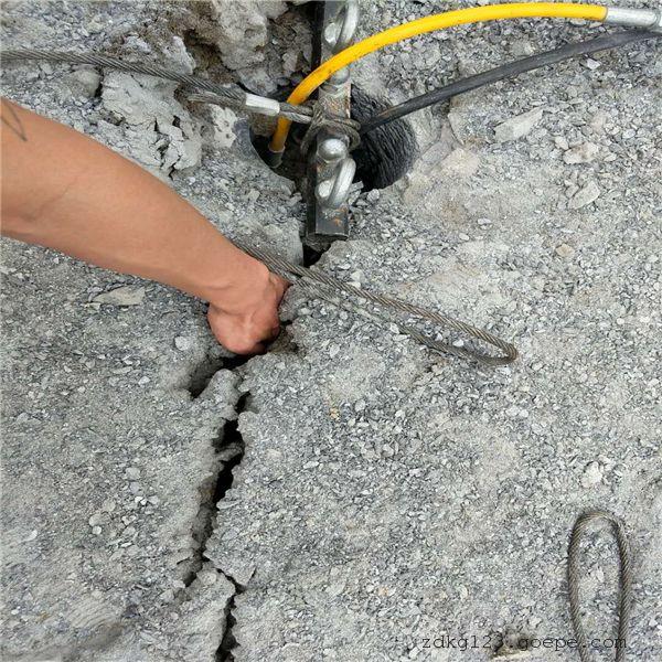 宁夏不用膨胀剂岩石致裂劈石机