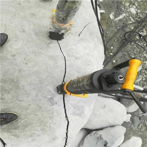 石场用什么机器开采石头^吉林