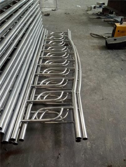 德宏304不锈钢复合管多少钱