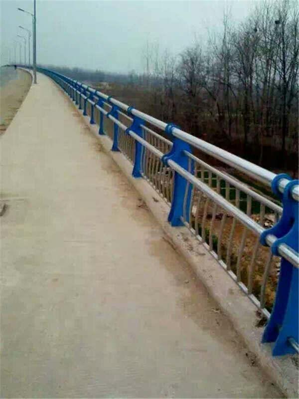 吉林304不锈钢复合管高铁站护栏厂家、