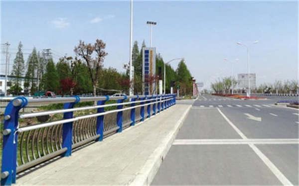 宁夏316不锈钢复合管护栏注意事项、