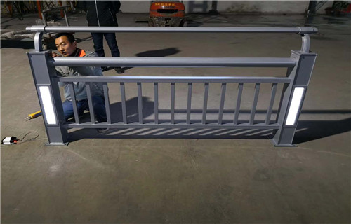 宁夏304不锈钢景观河道栏杆正规生产厂家