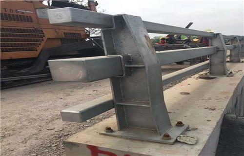 吉林304不锈钢河道防撞栏杆质量优等