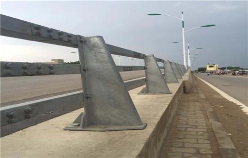 宁夏304不锈钢河道防撞栏杆参考价格