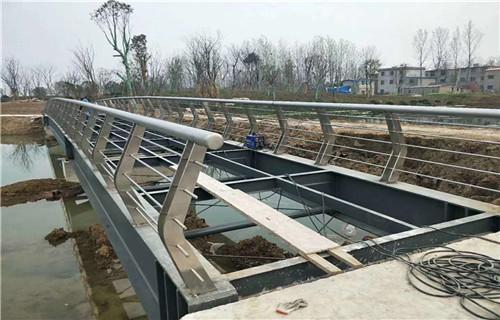 宁夏不锈钢立柱桥梁护栏 新款/爆款