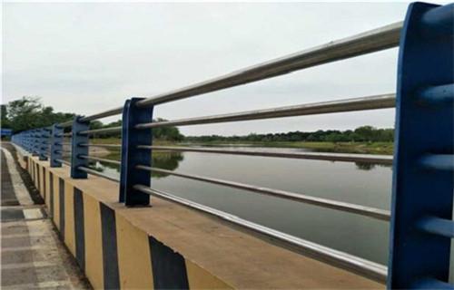 沈阳桥梁钢板立柱喷塑