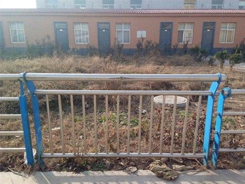 玉树不锈钢复合管护栏厂