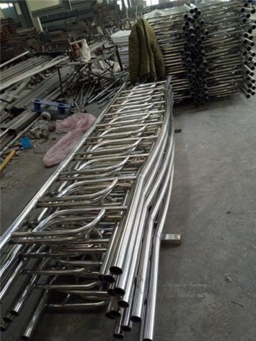 海东防护栏立柱