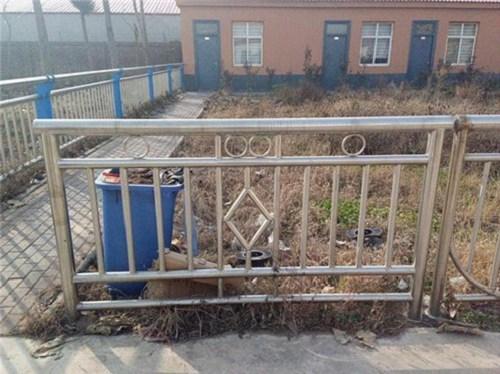 吉林不锈钢复合管护栏厂多少钱一米