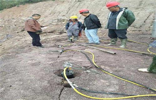 榆林市府谷县开水渠劈裂机使用流程