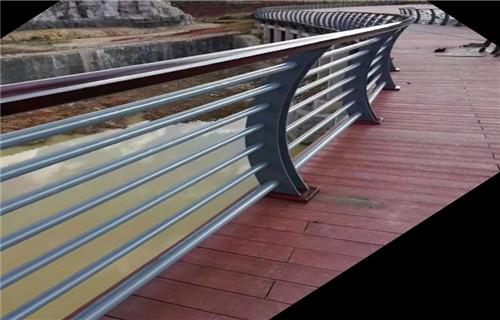 嘉兴钢板立柱专业设计