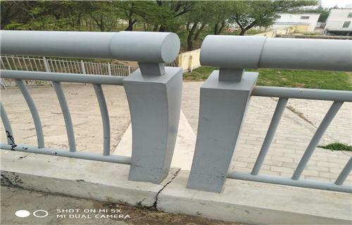 嘉兴不锈钢栏杆立柱可定制