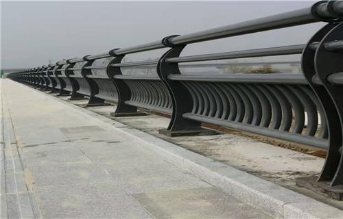 中山不銹鋼防撞護欄造型圖片