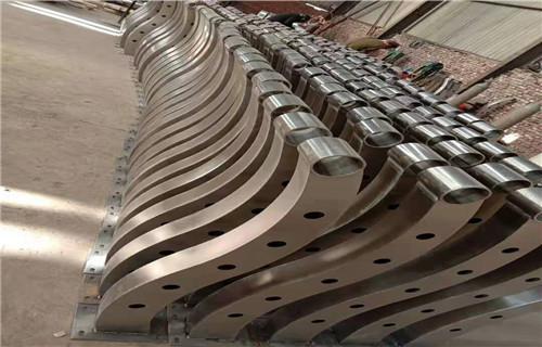 韶關304不銹鋼復合管護欄防撞功能性強