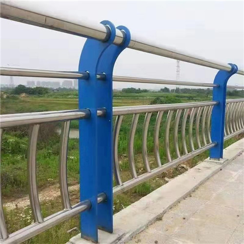 蚌埠63.5*2.5不銹鋼復合管接受定做